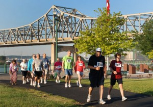 Supporters of Imagine No Malaria take part in a 5k run/walk along the Peoria River during the 2012 Illinois Great Rivers Annual Conference. A UMNS file photo by Natalie Rowe, Illinois Great Rivers Annual Conference.