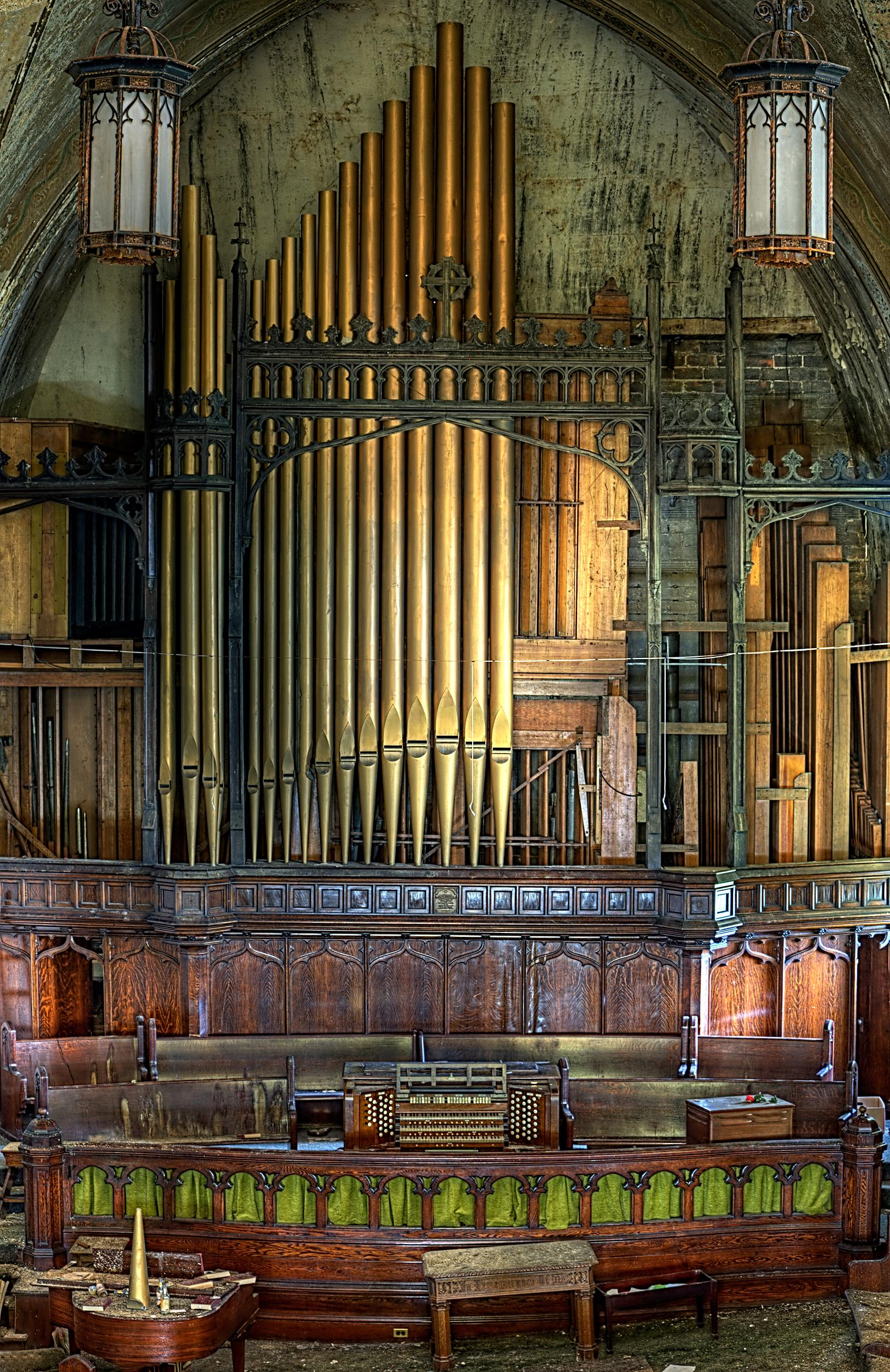 5 Reasons to Keep the Pipe Organ in Worship | Central ...
